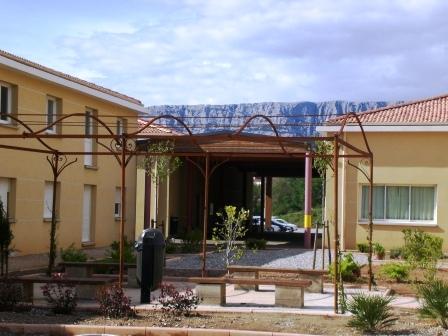 Ville de rousset maison familiale rurale sainte victoire for Construction de maison rurale