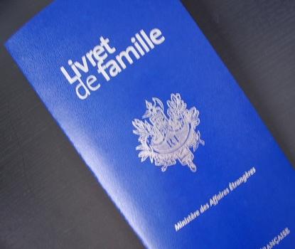 http://www.rousset-fr.com/uploads/pics/livret_de_famille.jpg